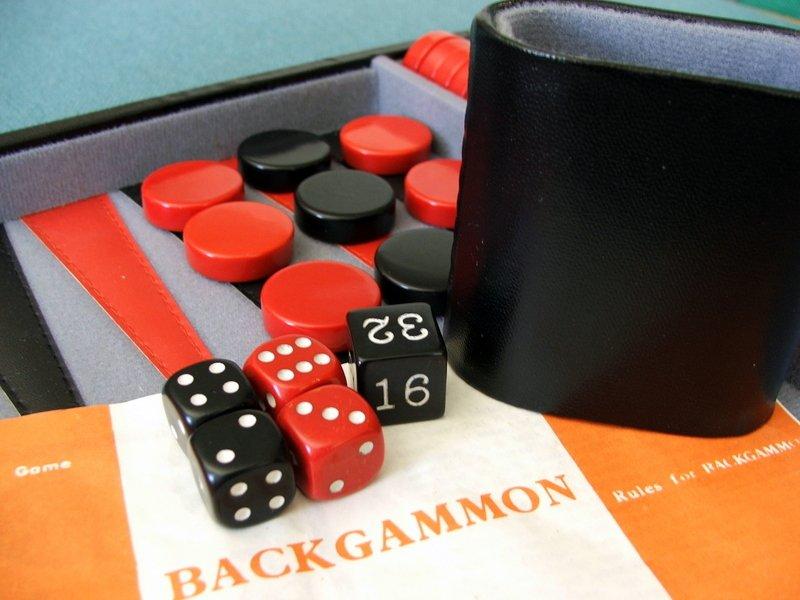 Backgammon er stadig populært